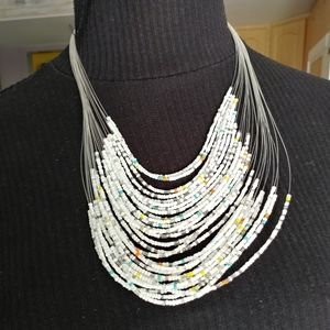 Jewelry - White beaded necklace